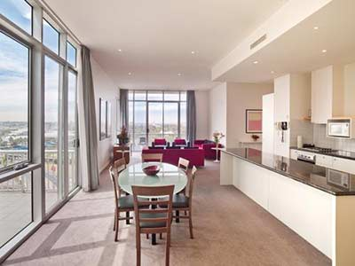 3 Bed Apartment from Reservoir to Melbourne