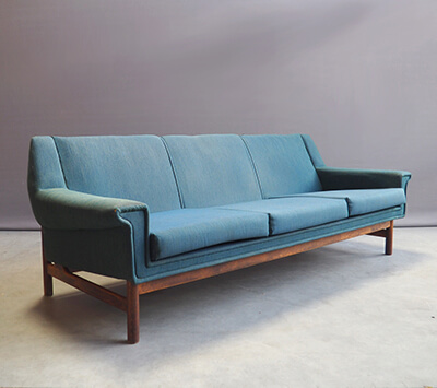 Danish three-seater sofa from London to Paris