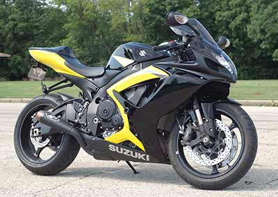 Suzuki GSXR750 from Paisley to Fleet