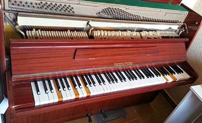 Baby Grand piano from Cradley to Powys