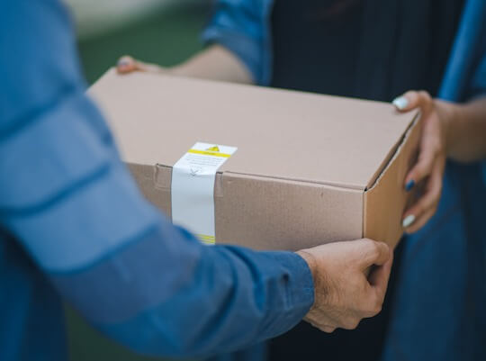 driver providing ebay item delivery service
